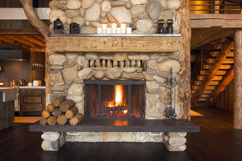 Fireplace with working damper operates properly