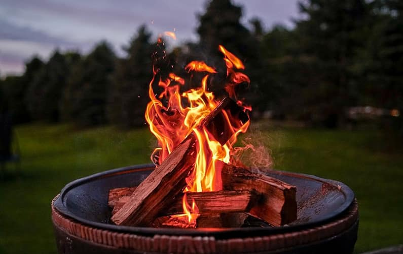 How to Light an Outdoor Fire Pit